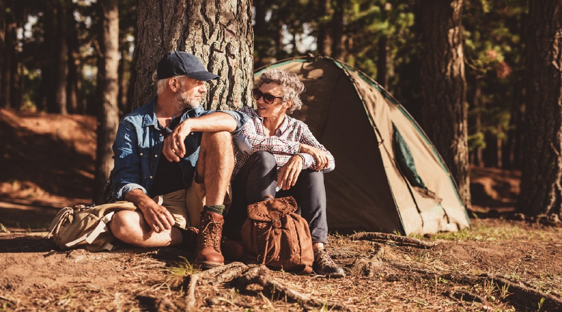 couple-camping1